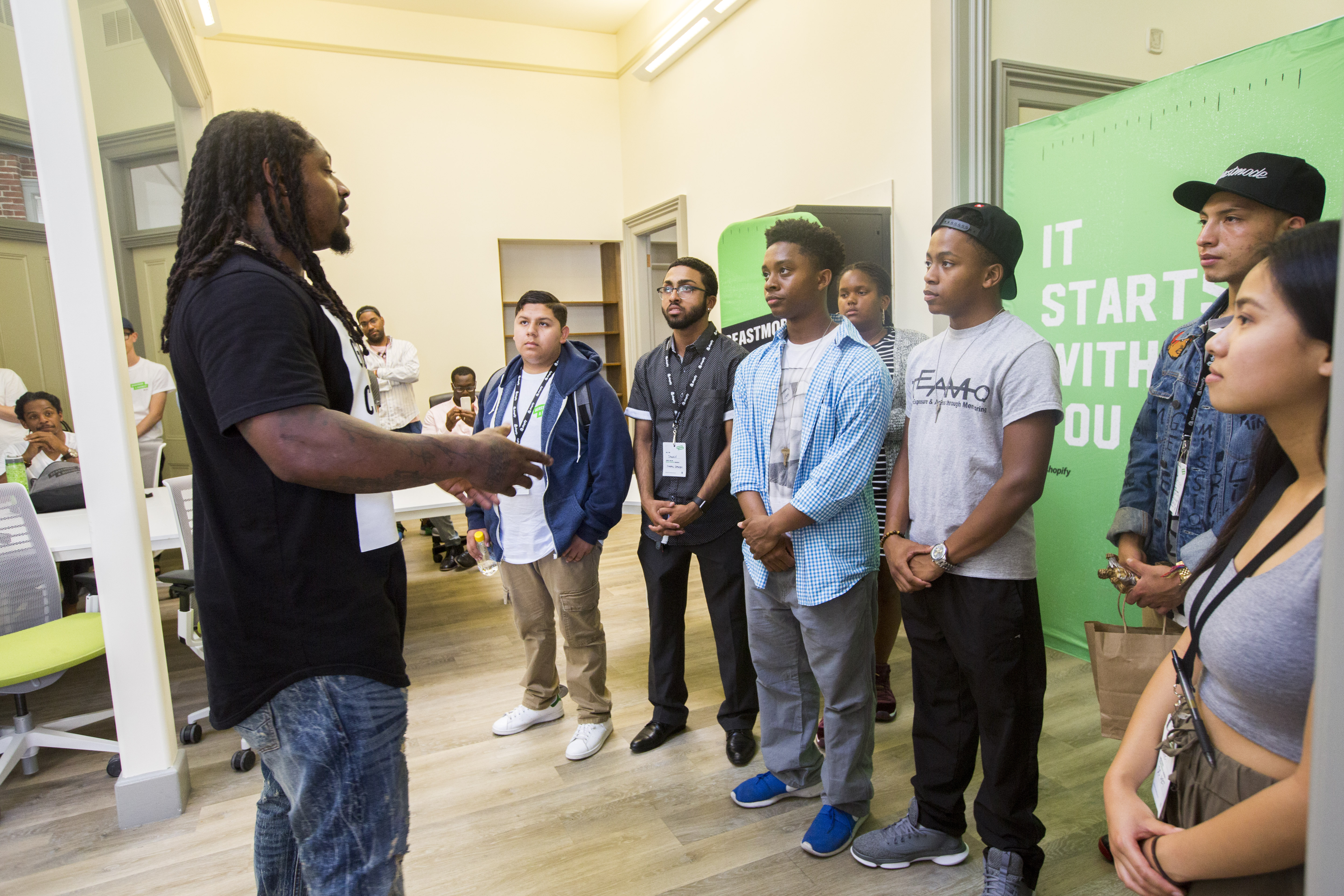 Shopify x BEASTMODE-A-Business - Marshawn and Final 8 Students - 2.jpg